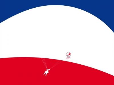 تصویر تبلیغاتی پپسی: احساس سبکی کن! چتربازی