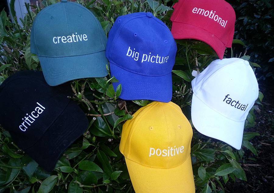 تکنیک شش کلاه تفکر ادوارد دوبونو (Edward De Bono's Six Thinking Hats)